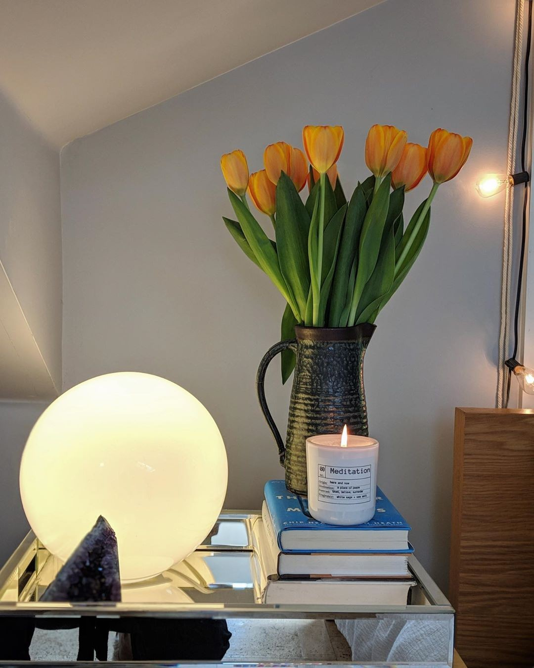 Fresh tulips + books …